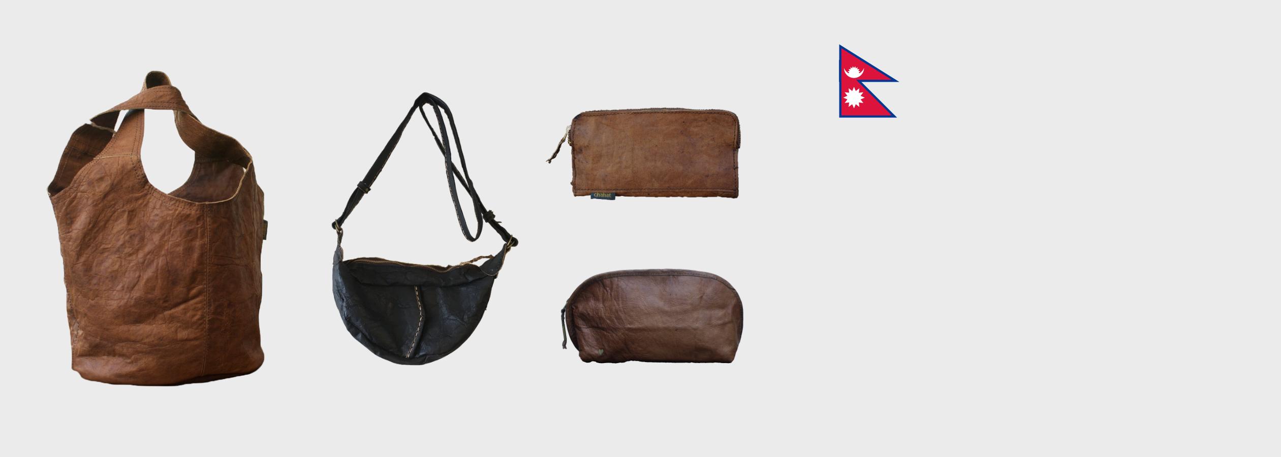 ビレッジレザーのバッグ展